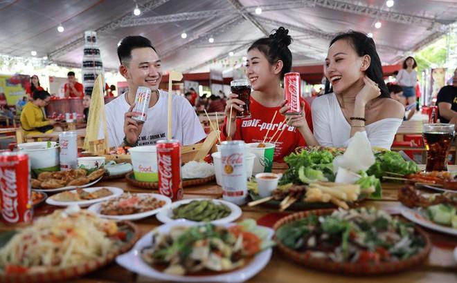 """Coca-Cola và những cú """"bắt trend thần sầu"""" vì quá hiểu nhu cầu đi đâu, ăn gì của giới trẻ Việt"""