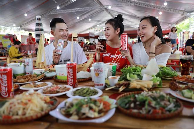 """Coca-Cola và những cú """"bắt trend thần sầu"""" vì quá hiểu nhu cầu đi đâu, ăn gì của giới trẻ Việt - Ảnh 5."""