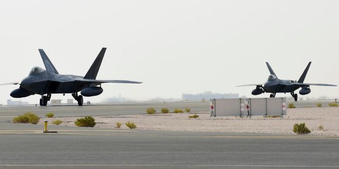 Mỹ dồn dập triển khai tiêm kích tàng hình F-22 áp sát Iran - Ảnh 1.