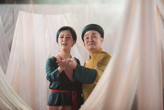 Tung MV mới, Đinh Hiền Anh: Đã có lúc anh Xuân Hinh giận tôi vì bỏ quên ca khúc hát chung - Ảnh 3.