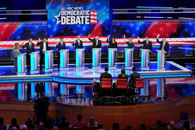 Mới khởi động cuộc đua hạ bệ ông Trump, Đảng Dân Chủ đã để lộ hàng loạt tử huyệt  - Ảnh 1.