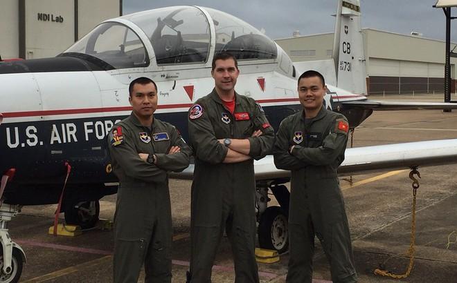 Phi công quân sự Việt Nam đầu tiên được Không quân Mỹ đào tạo sắp tốt nghiệp