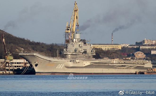 """Tàu sân bay """"cà khổ"""" Kuznetsov của Nga được tái trang bị hệ thống phòng không khủng?"""