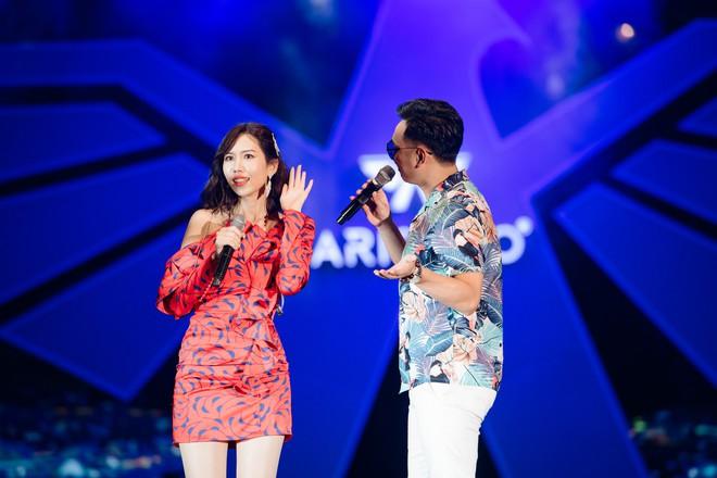 Hà Anh Tuấn biểu diễn cực sung trước 20 nghìn khán giả Hà Nội - Ảnh 6.