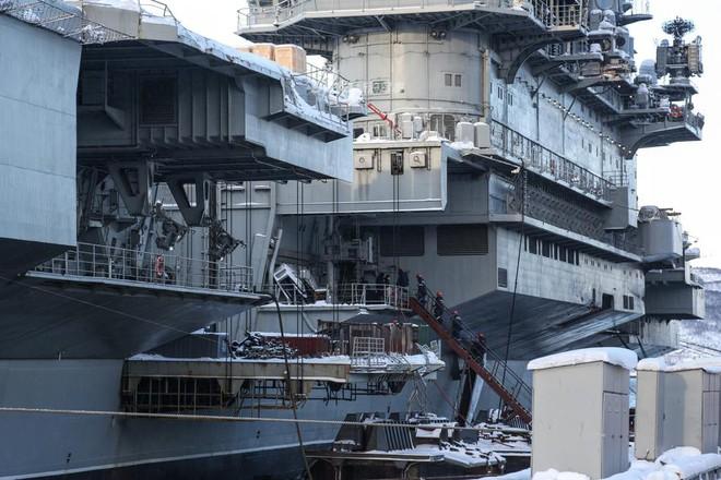 Tàu sân bay cà khổ Kuznetsov của Nga được tái trang bị hệ thống phòng không khủng? - Ảnh 1.