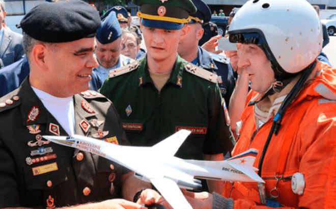 """WSJ: Nga rút hàng loạt chuyên gia quân sự ở Venezuela về nước, """"chỗ dựa"""" của TT Maduro lung lay nghiêm trọng?"""