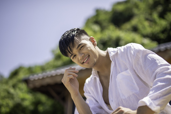 Hoàng Thùy thừa nhận tật xấu hay kiểm tra điện thoại của bạn trai khi yêu xa - Ảnh 3.