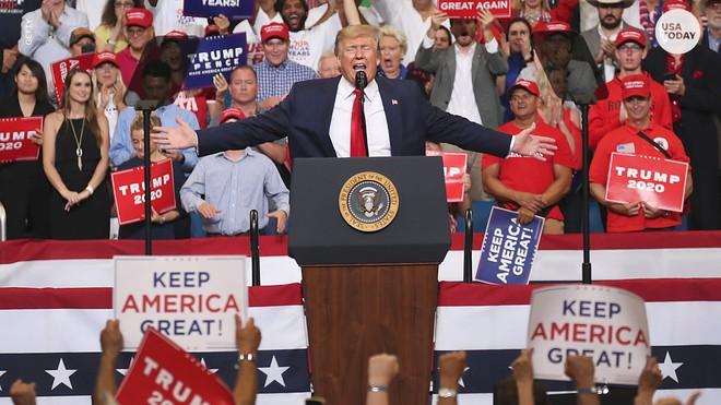 Mới khởi động cuộc đua hạ bệ ông Trump, Đảng Dân Chủ đã để lộ hàng loạt tử huyệt  - Ảnh 6.