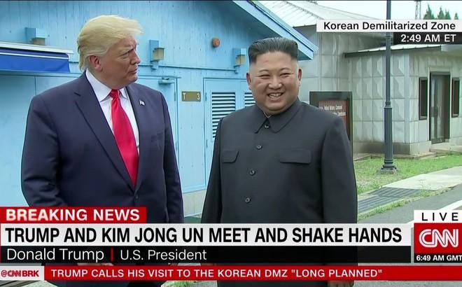 """Lời tâm sự của ông Kim tại biên giới liên Triều và cách ông Kim cứu ông Trump """"một bàn thua trông thấy"""""""