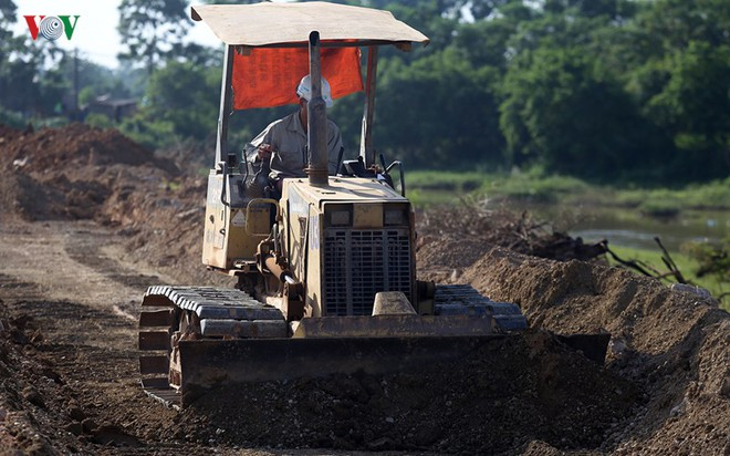 Gấp rút nâng cấp đê tả Bùi tại Hà Nội khi mùa mưa bão đang về - Ảnh 18.
