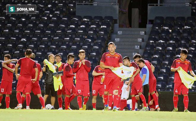 Đội tuyển Việt Nam lộ đội hình sớm hay chiêu tung hỏa mù của thầy Park?