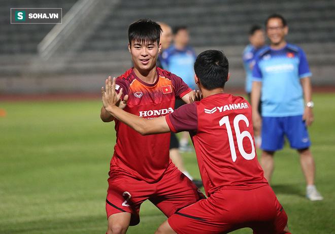 Tuyển Việt Nam tập bài lạ, học trò thầy Park cười tươi rói chờ đấu Thái Lan - Ảnh 7.