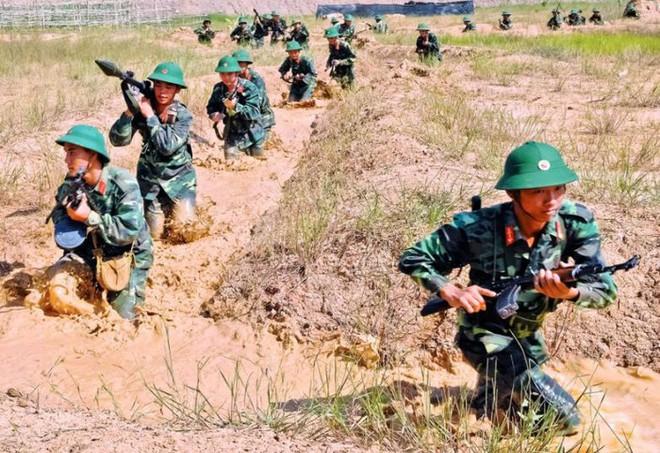 Chiến trường K: Lính tình nguyện Việt Nam và viên linh đan AK trong mồm - Thần chết tránh xa - Ảnh 2.