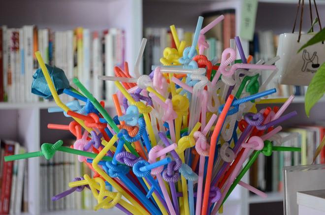 Lược sử của ống hút nhựa trên toàn thế giới: Tai họa vì sự đắt - rẻ chênh nhau 1 đồng! - Ảnh 5.