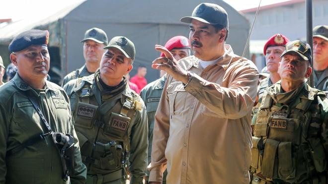 Sĩ quan Quân đội Venezuela đào tẩu cay đắng thốt lên: Tôi là một kẻ điên! - Ảnh 2.