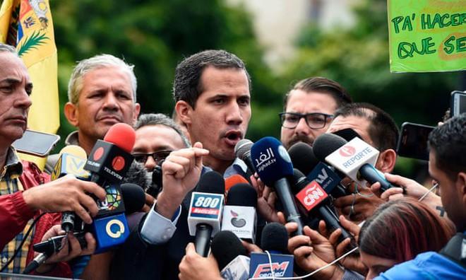 Sĩ quan Quân đội Venezuela đào tẩu cay đắng thốt lên: Tôi là một kẻ điên! - Ảnh 1.
