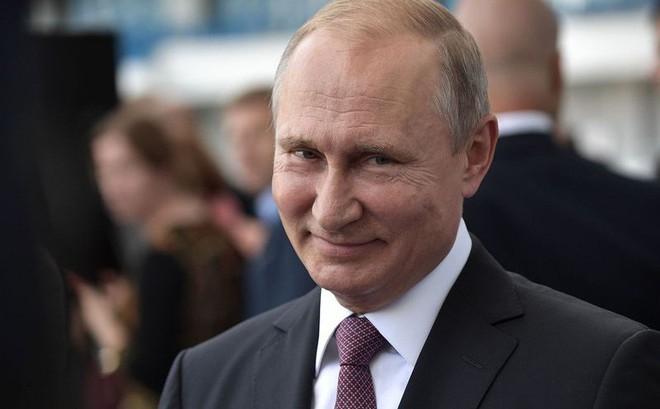 """Công bố tài liệu """"tiên tri"""" về nước Nga vào năm 2030: Sẽ ra sao khi ông Putin nghỉ hưu?"""