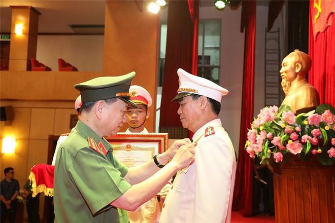 Giám đốc Công an Sơn La được phong tặng danh hiệu Anh hùng - Ảnh 2.