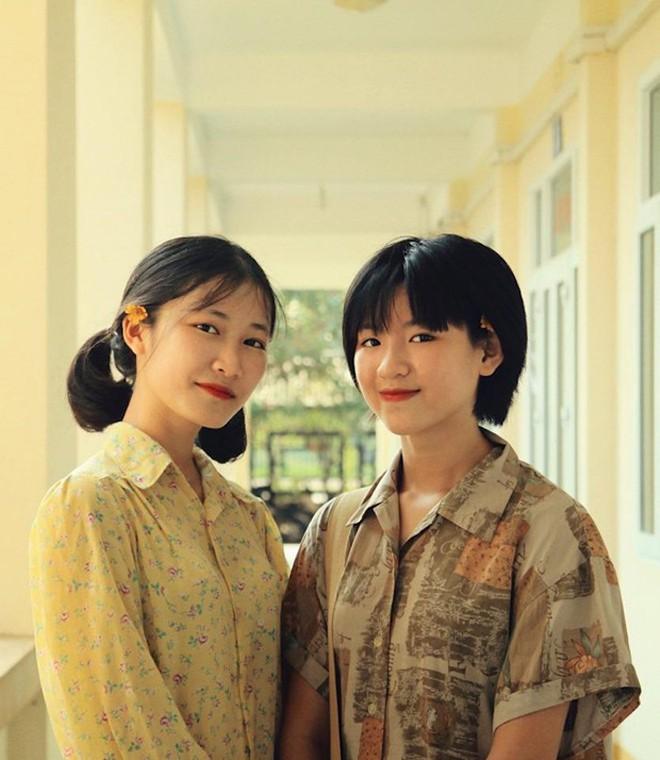 Thầy giáo ở Quảng Ninh chụp kỷ yếu cho học sinh theo phong cách những năm 90 - Ảnh 2.