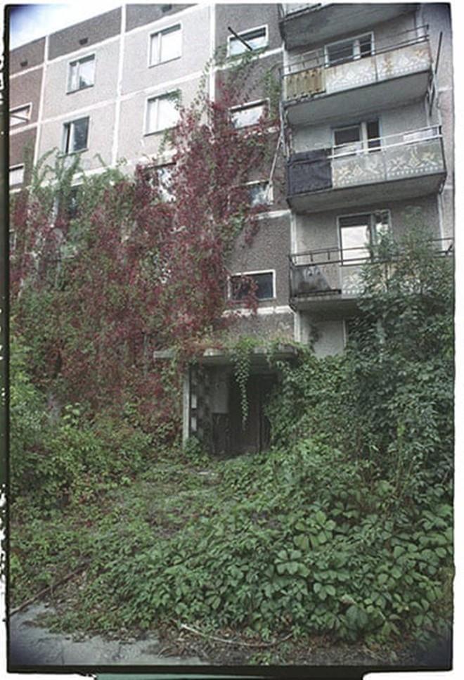 Những bức ảnh hơn vạn lời nói cho thấy mức độ khủng khiếp của thảm họa hạt nhân Chernobyl: Vùng đất chết chóc bao giờ mới hồi sinh? - Ảnh 19.