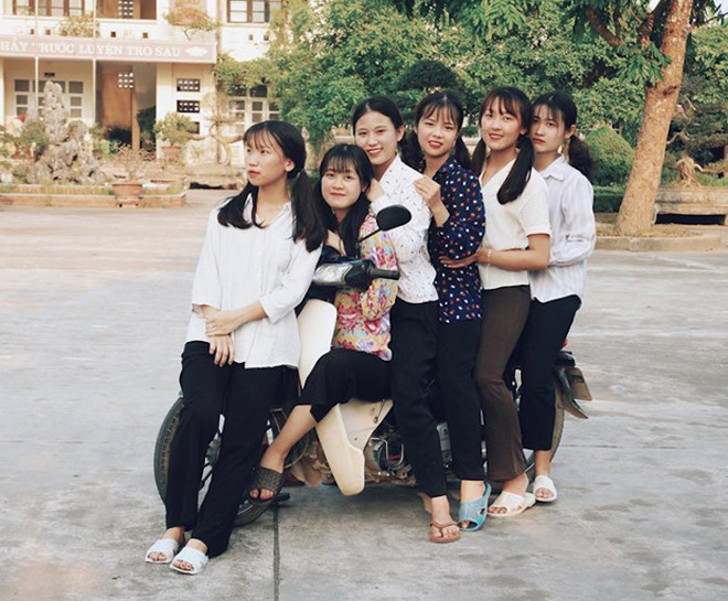 Thầy giáo ở Quảng Ninh chụp kỷ yếu cho học sinh theo phong cách những năm 90 - Ảnh 3.