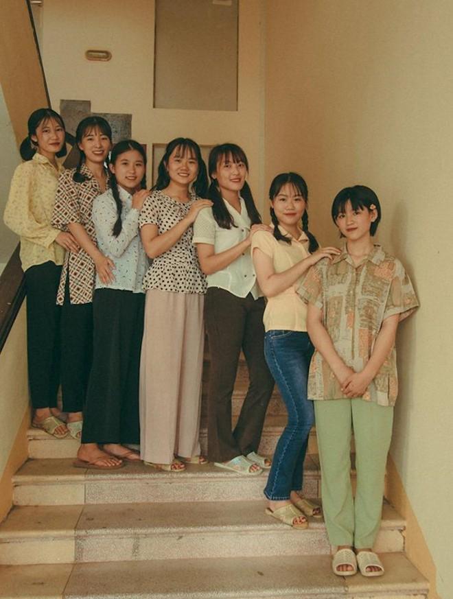 Thầy giáo ở Quảng Ninh chụp kỷ yếu cho học sinh theo phong cách những năm 90 - Ảnh 5.