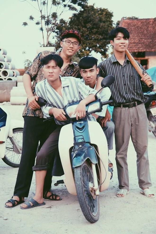 Thầy giáo ở Quảng Ninh chụp kỷ yếu cho học sinh theo phong cách những năm 90 - Ảnh 6.