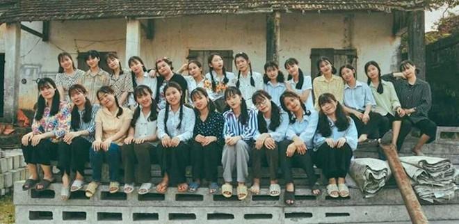 Thầy giáo ở Quảng Ninh chụp kỷ yếu cho học sinh theo phong cách những năm 90 - Ảnh 8.