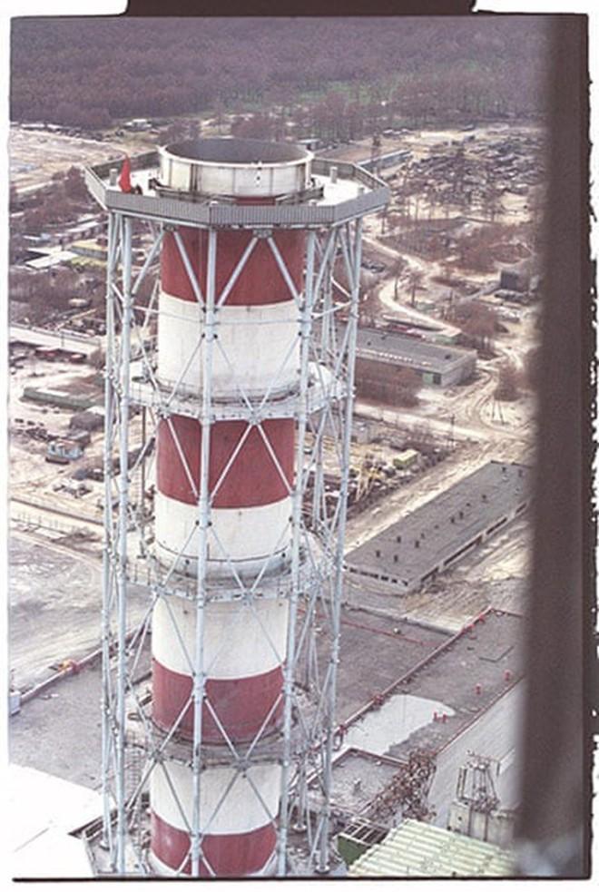 Những bức ảnh hơn vạn lời nói cho thấy mức độ khủng khiếp của thảm họa hạt nhân Chernobyl: Vùng đất chết chóc bao giờ mới hồi sinh? - Ảnh 9.
