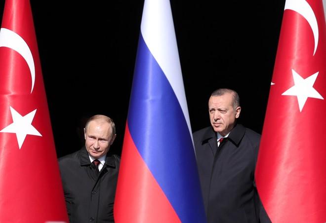 Nga dùng gậy và cà rốt: Khuyên Thổ Nhĩ Kỳ hãy thông minh và đừng liều lĩnh ở Syria? - Ảnh 2.