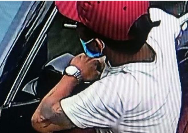Siêu trộm bẻ gương xe Lexus của gia đình sếp công an - Ảnh 3.