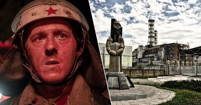 Nhờ series cực ăn khách của HBO, khách du lịch xếp hàng nườm nượp đến thăm thành phố ma Chernobyl - Ảnh 1.