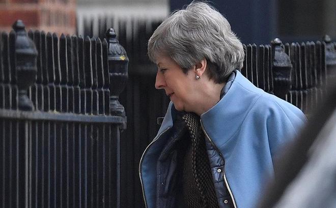 """Bà May đi """"không kèn không trống""""- Nóng cuộc đua cho ghế Thủ tướng Anh"""