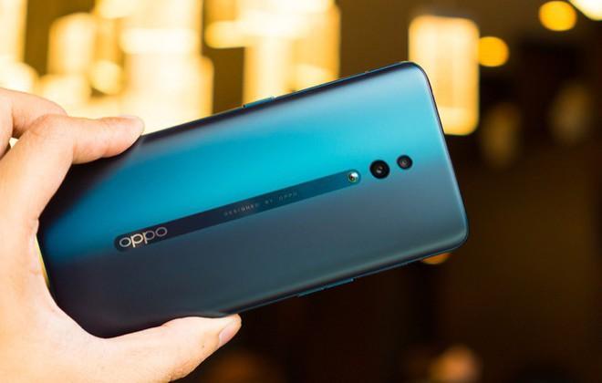 Điểm danh những Smartphone cận cao cấp sắp bán tại Việt Nam - Ảnh 3.