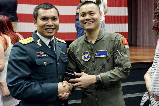 Phi công quân sự Việt Nam mở ra trang sử mới cùng 167 giờ bay cùng phi cơ T-6 tại Mỹ - Ảnh 4.