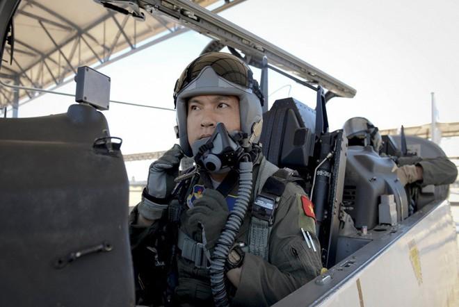 Phi công quân sự Việt Nam mở ra trang sử mới cùng 167 giờ bay cùng phi cơ T-6 tại Mỹ - Ảnh 7.