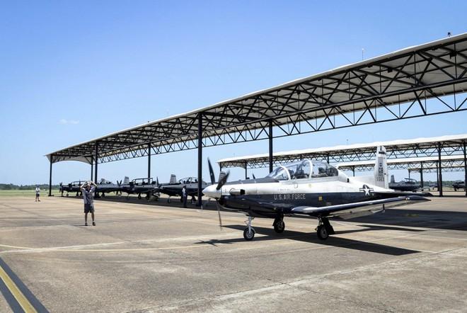 Phi công quân sự Việt Nam mở ra trang sử mới cùng 167 giờ bay cùng phi cơ T-6 tại Mỹ - Ảnh 8.