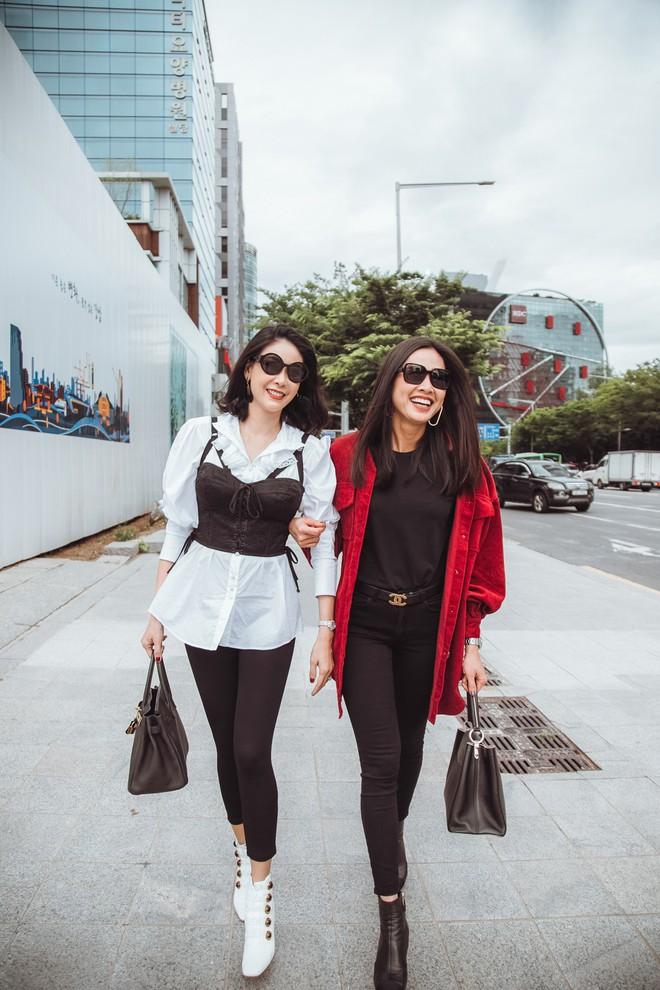 Hoa hậu Hà Kiều Anh, Dương Mỹ Linh và hội bạn thân gây náo loạn đường phố Hàn Quốc  - Ảnh 4.