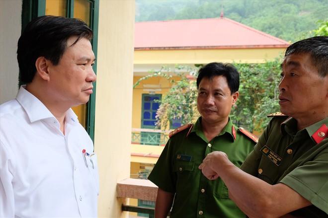 Thứ trưởng Bộ GDĐT lưu ý thí sinh không được mang điện thoại vào phòng thi - Ảnh 1.