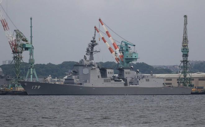 """Trung Quốc """"giật mình"""" khi Nhật Bản chuẩn bị tiếp nhận kỳ phùng địch thủ của Type 055"""