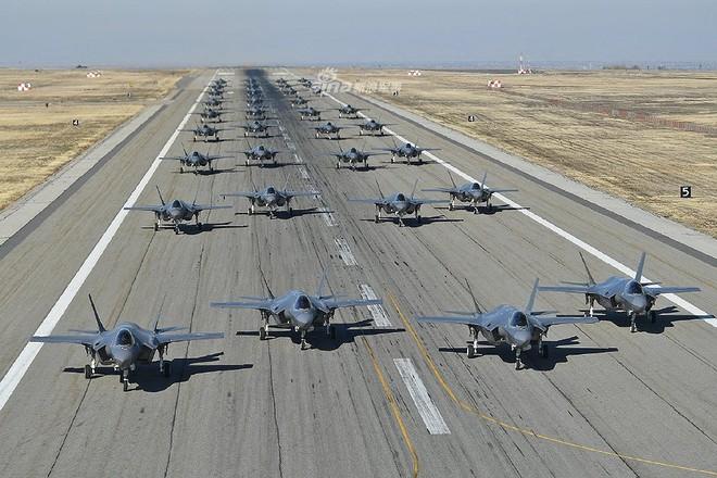 Nga ngước nhìn khi phi đội F-35 Mỹ đã lên tới 400 chiếc, đạt mốc 200.000 giờ bay - Ảnh 1.