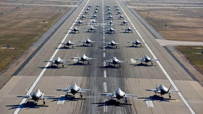 Nga ngước nhìn khi phi đội F-35 Mỹ đã lên tới 400 chiếc, đạt mốc 200.000 giờ bay - Ảnh 2.
