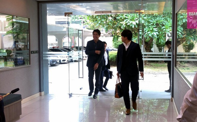Cựu HLV Nhật Bản tới LĐBĐ Thái Lan, họp bàn bí mật trong 1 tiếng