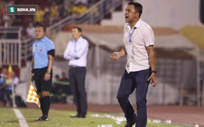 Tiết lộ lý do đại gia một thời của V.League chia tay HLV dù CLB vẫn đang thành công