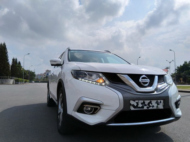 Thanh lý hàng tồn kho, Nissan X-Trail giảm giá tới 150 triệu đồng - Ảnh 1.