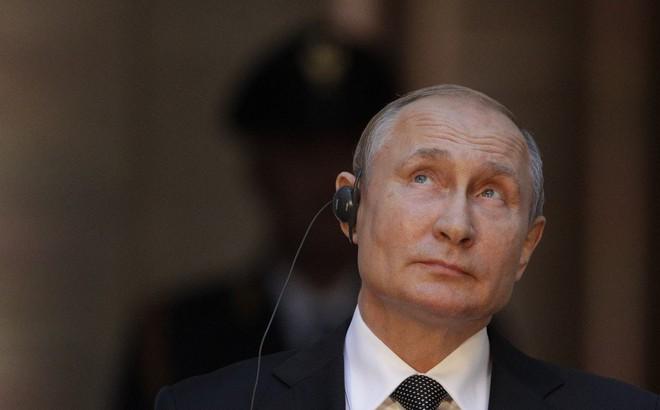 """Suýt """"bay"""" 10% GDP chỉ vì lời vạ miệng nhưng lại thoát nạn trong gang tấc: Gruzia rối rít cảm ơn TT Putin"""