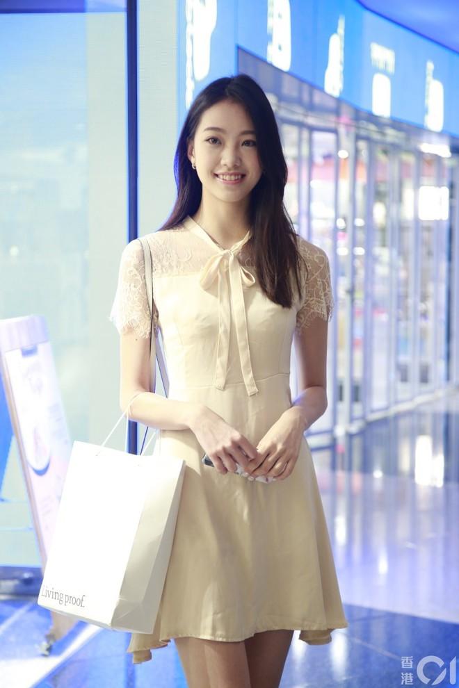 Nhan sắc gây thất vọng của dàn thí sinh top 15 Hoa hậu Hong Kong - Ảnh 9.