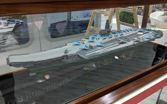 Lộ diện tàu sân bay siêu độc đáo, thiết kế có một không hai của Nga