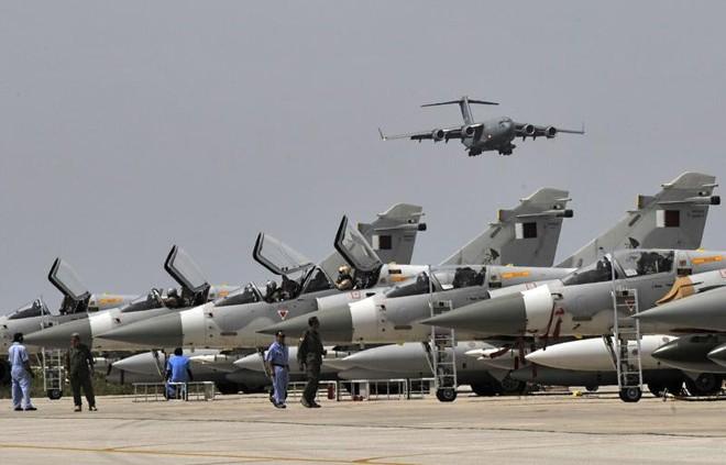 2 máy bay quân sự Qatar đâm nhau trên không: Loại hiện đại gì mà phải bảo mật cao thế? - Ảnh 1.