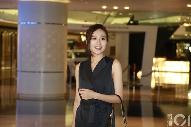 Nhan sắc gây thất vọng của dàn thí sinh top 15 Hoa hậu Hong Kong - Ảnh 8.